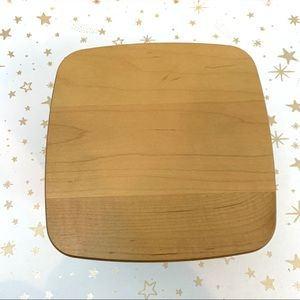 Longaberger Accents - Longaberger   Small Square Flared Basket with Lid
